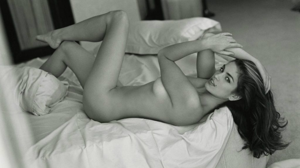 Cindy Crawford poses naked in bed for Sante D'Orazio Women's favourite sexual positions revealed Portrait Sante D'Orazio